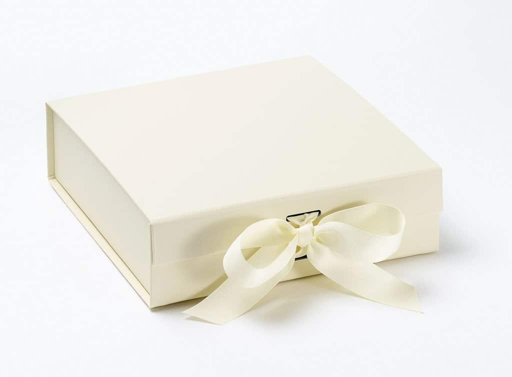 Wedding Gifts Boxes: Personalised Dressing Gowns